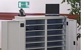 wózek na laptopy